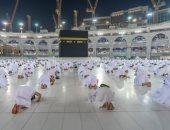المصلون بالمسجد الحرام وسط أجواء روحانية مع انطلاق المرحلة الثالثة.. صور