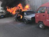 صور.. حريق يلتهم سيارة ملاكى بشارع البحر الرئيسى فى طنطا