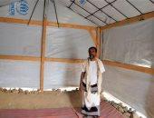مفوضية اللاجئين تبدأ بناء 1750 مأوى لحماية النازحين فى الحديدة من سوء الطقس