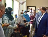 جامعة بنى سويف تحيل 5 عمال بالمركز الطبى للتحقيق لعدم ارتداء الكمامة.. صور