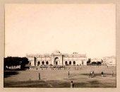 شاهد.. المتحف المصرى فى التحرير وأمامه ملعب لكرة القدم