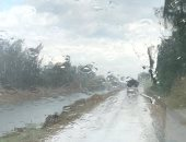 أمطار بالبرلس وبلطيم شمال كفر الشيخ والمحافظ يعلن حالة الطوارئ.. صور
