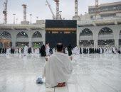 شئون الحرمين تواصل أعمال التعقيم بعد سقوط الأمطار بالمسجد الحرام .. فيديو
