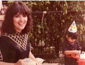 شقيقات كيم كاردشيان تحتفلن بعيد ميلاد والدتهن كريس جينر برسائل حب وصور عائلية