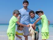 يوم مع العائلة.. ولى عهد دبى فى نزهة ورحلة صيد مع أطفال الأسرة.. فيديو وصور
