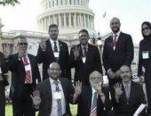 """""""الإخوان خونة كل العصور"""".. يسبون أمريكا ويرتدون علمها للمظلومية.. فيديو"""