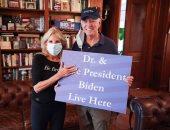 أول صورة لـ جو بايدن بعد انتخابه لرئاسة أمريكا.. وزوجته: سيكون رئيسا للجميع