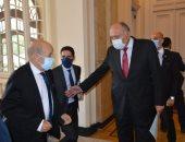 شكرى يستقبل وزير خارجية فرنسا فى قصر التحرير ومؤتمر صحفى مشترك بعد قليل