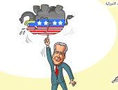 جو بايدن يحمل الفيل بصباع عقب فوزه بالانتخابات في كاريكاتير لبنانى