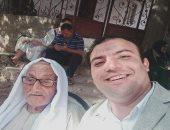 مسن 95 عامًا يدلى بصوته بالانتخابات البرلمانية فى القناطر الخيرية