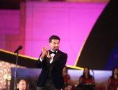 همام إبراهيم يغنى لكاظم الساهر فى مهرجان الموسيقى العربية