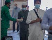 أجواء خاشعة وإيمانية للمعتمرين بالكمامات فى المسجد النبوى.. صور