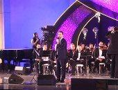 """وائل جسار يبدأ حفل مهرجان الموسيقى بأغنية """"بحبك يامصر"""""""