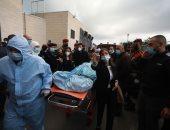 لحظة وصول جثمان صائب عريقات لأحد مستشفيات رام الله.. صور