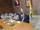 """محافظ شمال سيناء يناقش مع مشايخ وعواقل """"الحسنة ونخل """" خطط التنمية"""