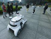 ابتكار روبوت ذكى فى الصين لفرز القمامة يعمل لمدة 8 ساعات متتالية.. صور