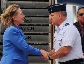 هيلارى كلينتون تحتفل بيوم المحاربين القدامى: أمريكا بلد لهم إلى الأبد