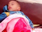 جراحة عاجلة تنقذ حياة طفل بدون عائل فى الوادى الجديد.. صور