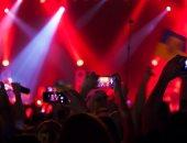 دراسة: مشاركة صور الحفلات والأحداث عبر السوشيال ميديا يزيد معدل الاستمتاع