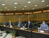 رئيس جامعة أسيوط يستقبل لجنة من الأعلى للجامعات لبحث التحول إلى جامعة ذكية.. فيديو