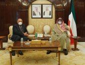 وزير الخارجية يبحث مع رئيس وزراء الكويت سبل دفع مجالات التعاون الثنائى