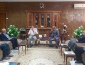 محافظ شمال سيناء يلتقى وفدا من الهيئة القومية للإنتاج الحربى.. صور