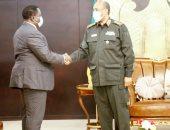 البرهان يبحث مع نائب رئيس جنوب السودان مشاكل الحدود وحرية تنقل المواطنين