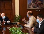 محافظ بورسعيد يتابع العمل بمنطقة ساحة مصر تمهيدا لإفتتاحها بالعيد القومى