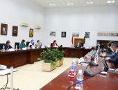 وزير الآثار يجتمع باتحاد الغرف السياحية لمناقشة الوضع الراهن للقطاع السياحى