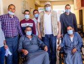 توزيع 27 كرسيا متحركا لأصحاب الإعاقة الحركية بقرية زاوية صقر بالبحيرة.. فيديو وصور