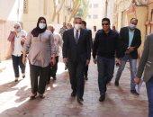"""محافظ سوهاج يتفقد تطوير ورصف عدد من شوارع حى غرب الفرعية بـ"""" الإنترلوك """""""