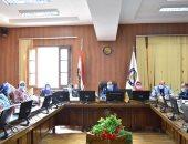 تفاصيل اجتماع رئيس جامعة بنى سويف بمجلس شئون خدمة المجتمع وتنمية البيئة