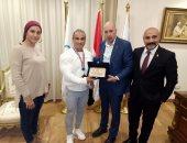 الأولمبية تكرم شريف مصطفى بطل كمال الأجسام