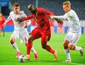 بلجيكا تتعادل مع الدنمارك وإنجلترا تتفوق على أيسلندا بالشوط الأول.. فيديو