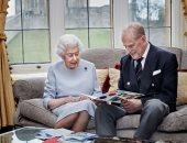 16 صورة توثق رحلة إليزابيث مع الأمير فيليب فى رحلة زواج تحدت عواصف القصر البريطانى