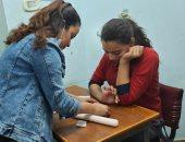 وحدة الصم بالكنيسة الأسقفية تنظم ورشة لتعليم الأطفال صناعة الاكسسوارات