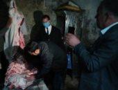ضبط كميات من اللحوم والأسماك المملحة غير صالحة للاستهلاك بكفر الشيخ.. صور