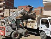 رفع 10 طن تراكمات الأتربة ومخلفات صلبة فى حملات نظافة بمدينة الأقصر