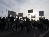 صور.. الآلاف يحتجون على مشروع قانون فرنسي يمنع نشر صور أفراد الشرطة