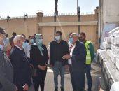 محافظ بورسعيد يستقبل قافلة تحيا مصر لمساعدة الأسر الأولي بالرعاية.. صور