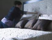 """خبيرة تنظيف بريطانية تحذر من ترتيب """"السرير"""" مباشرة عقب الاستيقاظ.. اعرف السبب"""