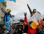 صور.. استمرار المظاهرات المطالبة بتنحى رئيس جواتيمالا