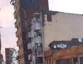 محافظ الإسكندرية ينتقل لحى غرب للاستماع إلى مطالب أهالى العقار المائل