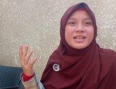 فتاة أندونيسية تقلد صوت الشيخ الحصرى أمام مدفنه فى الذكرى 40 لرحيله.. فيديو
