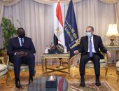 وزير الاتصالات يلتقى نظيره الكونغولي لبحث التعاون فى التحول الرقمى وتطوير البنية التحتية