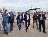 نائب محافظ بورسعيد ورئيس الوطنية للطرق يتفقدان مواقع إقامة محطات الوقود.. صور