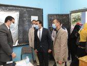 إقبال كبير على لجان مدينة قنا.. ونائب المحافظ يتفقد المقار الانتخابية.. صور