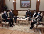 محافظ بورسعيد يؤكد أهمية دور الشباب خلال لقائه بتنسيقية الأحزاب والسياسيين
