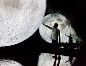 الصين تكشف عن صورة لعينات القمر المعادة للأرض على متن مركبتها