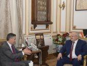 رئيس جامعة القاهرة يبحث التعاون مع المكتب الإقليمي للوكالة الفرنكوفونية..صور